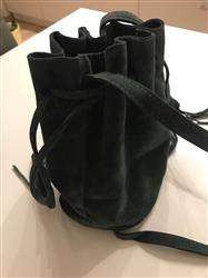 Patricia Martin verified customer review of Stylish Bucket Bag