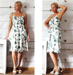 Eugene Kornilova verified customer review of Jane™ - Vintage Pineapple Sundress