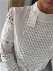 Karen H. Scrivner verified customer review of Emma™ - White Lace Long Sleeved Blouse