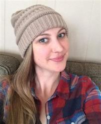 Angela Clark verified customer review of Winter Messy Bun Knitted Beanie Ponytail