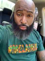 Louis M. verified customer review of Akono Men's Melanin African Print T-Shirt (Forest Green/Yellow/Black Kente)