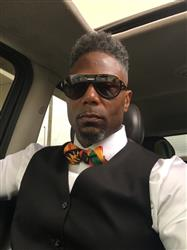 Donte C. verified customer review of Halif Men's African Print Satin Bow Tie and Pocket Square Set (Black/Yellow Kente)