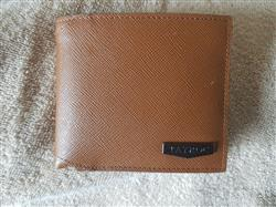 Rodrigue T. verified customer review of Thames - Tan Wallet