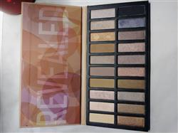 eva.95678046 . verified customer review of Revealed Eyeshadow Palette