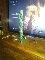 Everett C. verified customer review of 18 Bubble Design Colored Glass Water Pipe