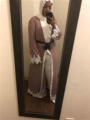 Nyshiria R. verified customer review of Blush Polka Dot Lace Open Front Abaya