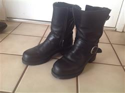 Judy N. verified customer review of Mellow Walk Vanessa Womens Black Leather Engineer Work Boots