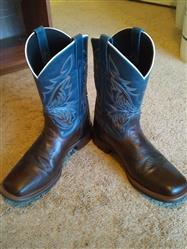 Jonathan W. verified customer review of Laredo Mens Blue Leather Deep Dip 11in Embroidered Cowboy Boots