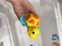 Super Mario verified customer review of PROLOSO 6 Pack Wind Up Toys Bath Tub Turtle Kids Gift Set