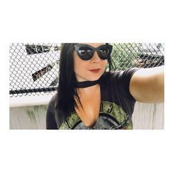 Karissa V. verified customer review of Selena sunnies - Black