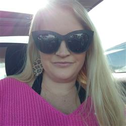 Ashley J. verified customer review of Selena sunnies - Black