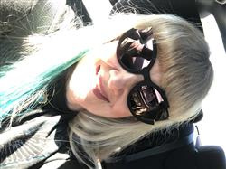 Gail Harries verified customer review of Chloe Sunnies - Black/ Rosegold