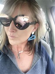 Stacy A. verified customer review of Chloe Sunnies - Black/ Rosegold