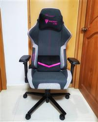 Serena C. verified customer review of Secretlab THRONE 2018