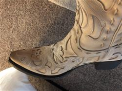 Lauryn G. verified customer review of Robin Boot