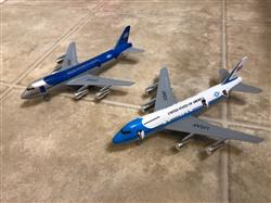Romina E. verified customer review of Jumbo Jet Pullback Toy (1 Piece / Assorted Styles)