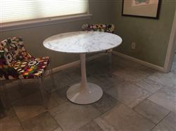 Sandra E. verified customer review of 36 Artificial Marble Daisy Dining Table