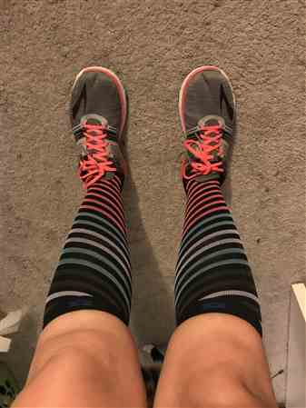 Laryssa verified customer review of DeZign Compression Socks