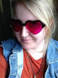 Jaymie W. verified customer review of Magenta Lens / Heart Frame