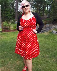 Terhi verified customer review of Dolores Doll Red Polka Dot 50-luvun mekko