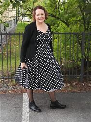Eeva-Maria T. verified customer review of Dolores Doll Black Polka Dot 50-luvun mekko