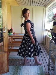 Eija H. verified customer review of Dolores Doll Black Polka Dot 50-luvun mekko