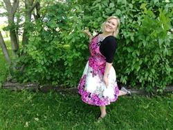 Katariina M. verified customer review of Purple Rose Floral Border Juhlamekko