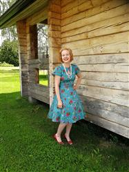 Iina-Elina Tanskanen verified customer review of Little Roses On Teal Keyhole Day Vintagemekko