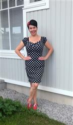 Tarja S. verified customer review of Dolores Pencil Black Polka Dot Kynämekko