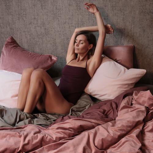 TALIA - Rose Velvet European Pillowcase