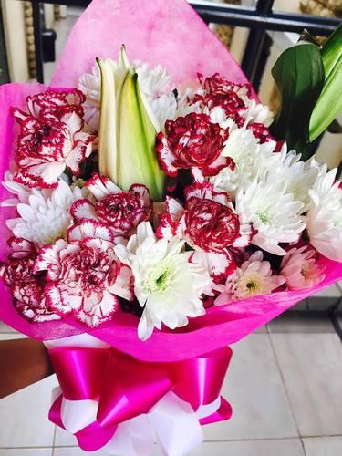 Lily Mum Bouquet