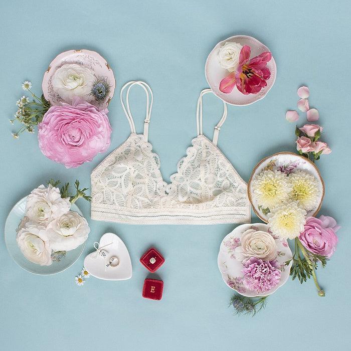 Flower Scalloped Lace Bralette - Cream