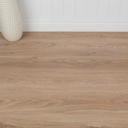 Domestic & Commercial Kitchen/Bedroom/Hallway Laminate Flooring - Shepperton Oak - 7mm - SAMPLE