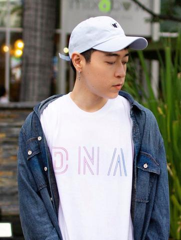 BTS DNA Tee