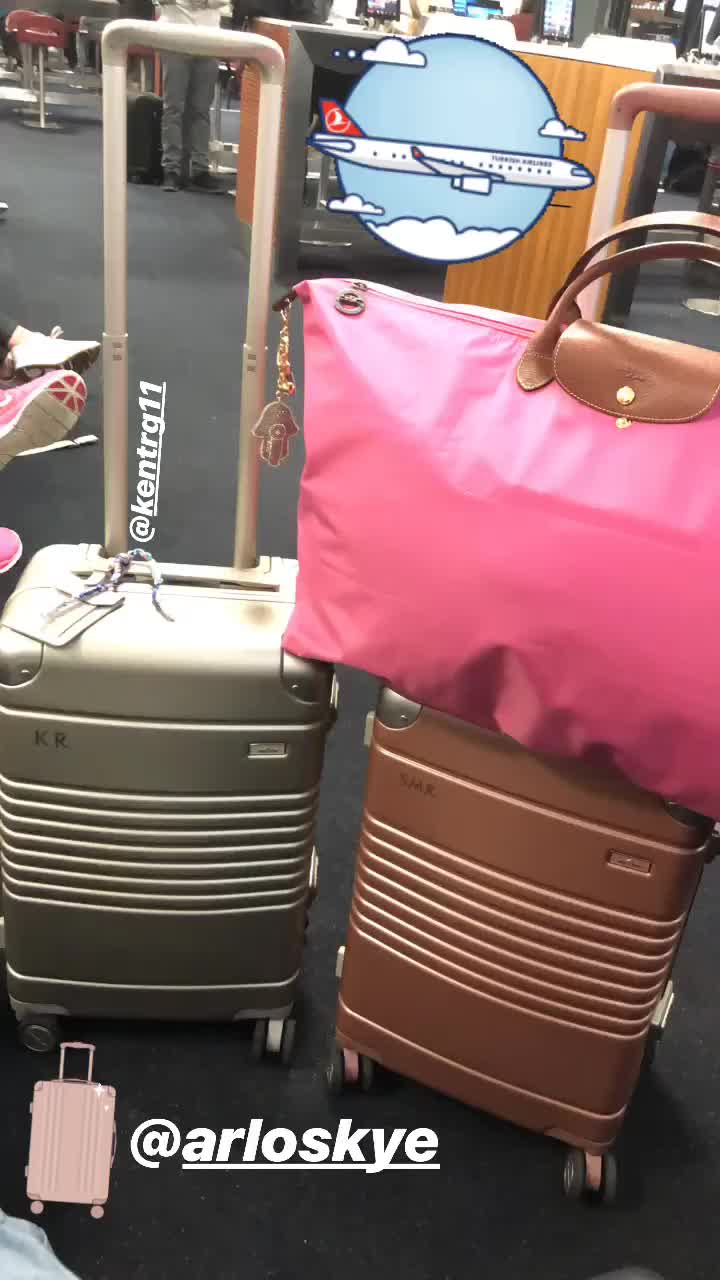 Shari R. verified customer review of The Polycarbonate Carry-On