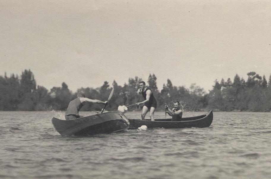 Canoe Tilting 1911