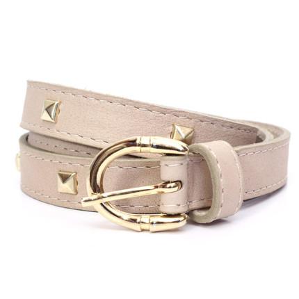 Cinturón de cuero beige con tachas de las Ninetas, Las Ninetas