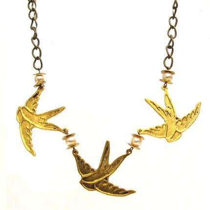 Collar Pájaros Dorados, ShenShina