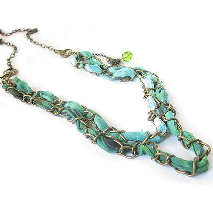 Collar gasa, cadena y cristal, ShenShina