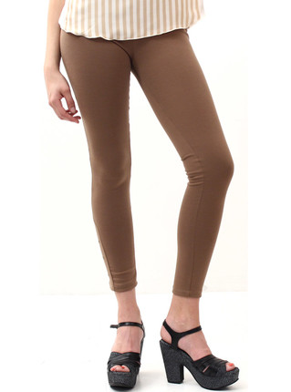 Legging con tachas marrón, Peuque