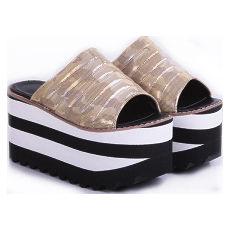 Zueco con plataforma modelo KARINA 3, Shoes Bayres
