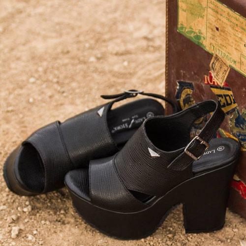 00dbc4cda28 Zapatos Casual y Urbanos de Verano 2017 - Por Lady Stork. Creado el 5 12  2016 por El Bazar