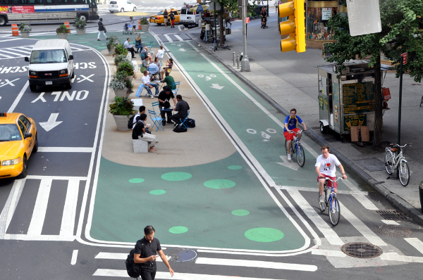 It Turns Out That Protected Bike Lanes Are Fantastic For Walking