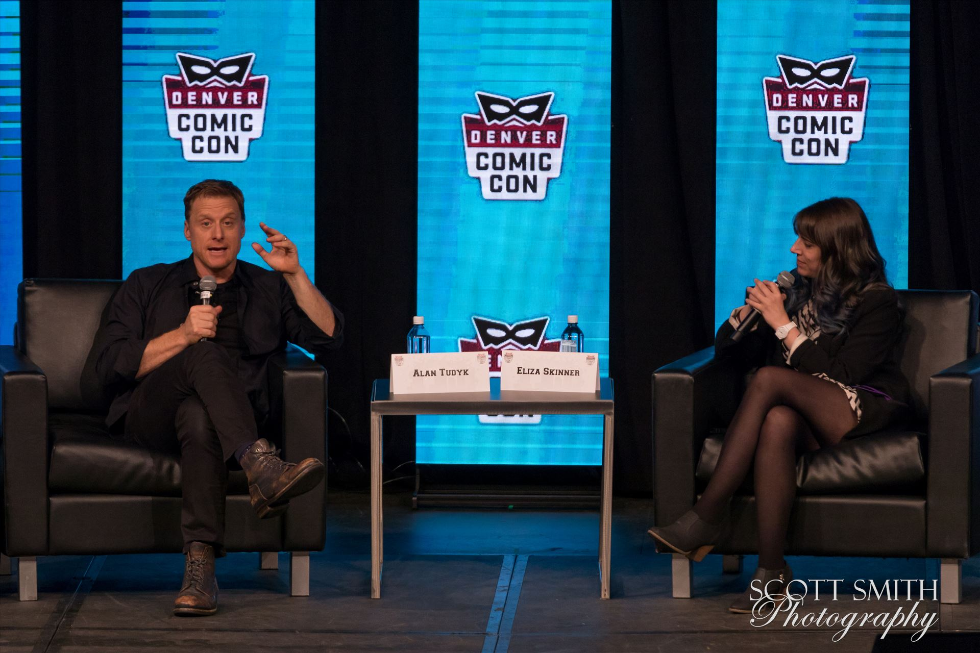 Alan Tudyk 3 at Denver Comic Con 2018 -  by D Scott Smith