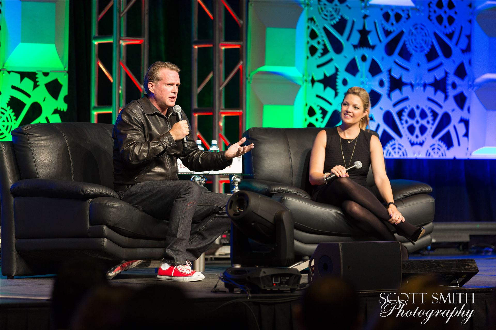 Denver Comic Con 2016 29 - Denver Comic Con 2016 at the Colorado Convention Center. Clare Kramer and Cary Elwes. by D Scott Smith