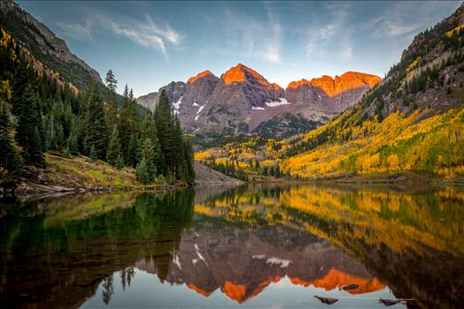 Preview of The sun rising on the Maroon Bells
