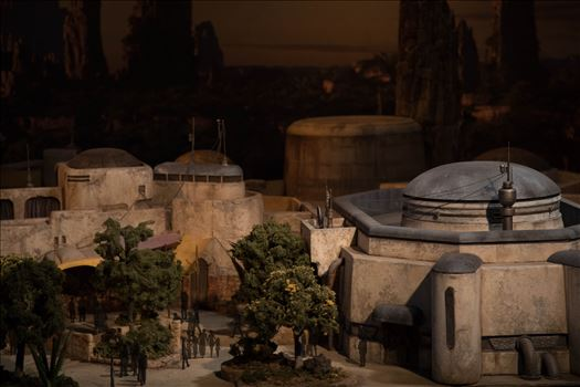 Star Wars Galaxy's Edge Model 1 -