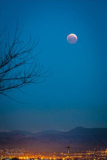Lunar Eclipse ad blood moon, April 4 2015 from Denver, Colorado.