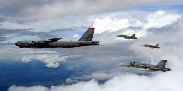 """USA Preparing """"24/7"""" Nuclear Alert B-52 Squadron"""