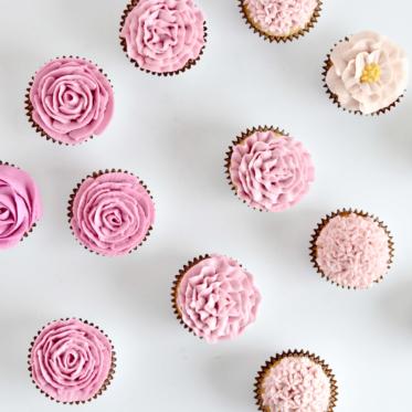 DIY buttercream flower cupcakes